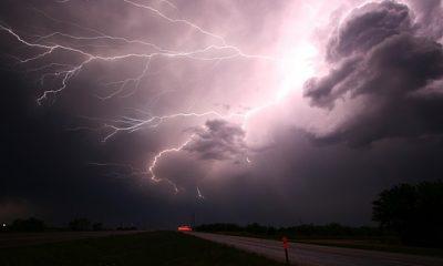 https://www.carmodyconstructionil.com/wp-content/uploads/2017/07/lightning-1056419__340-400x240.jpg